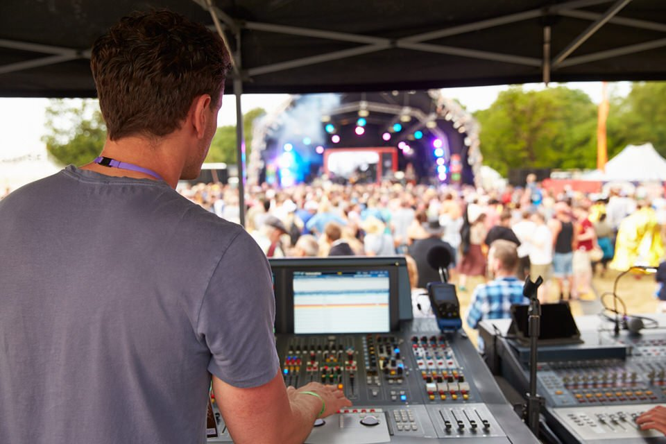 audio-visual-technician-hiring-tips.jpg
